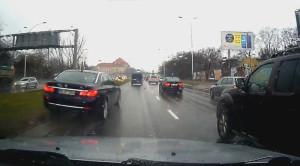 Pościg policyjny za BMW w Warszawie – nagranie wideo przedstawia jego przebieg i finał