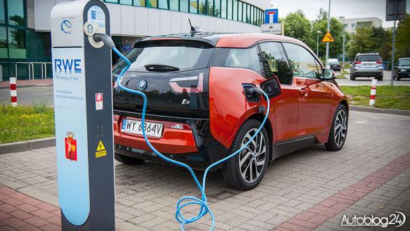 BMW i3 - ładowanie ze stacji RWE