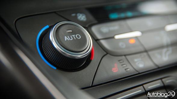 Ford C-Max - klimatyzacja automatyczna