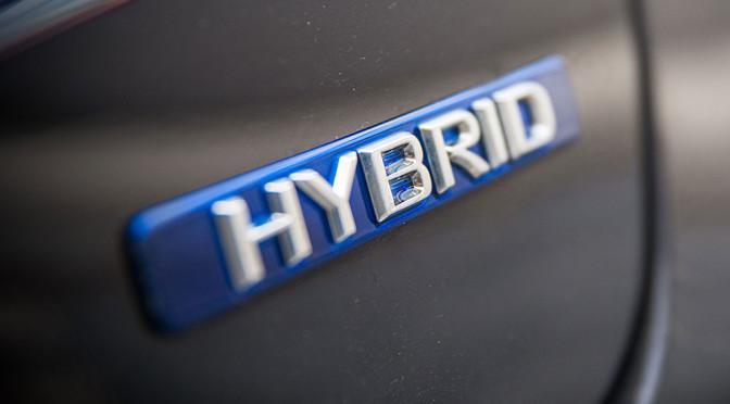 Jak jeździć hybrydą by było oszczędnie i ekonomicznie - porady
