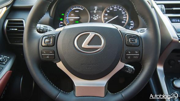 Lexus NX 300h - kierownica