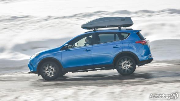 Nowa Toyota RAV4 Hybrid - bok