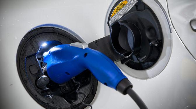 Samochody elektryczne – czas ładowania, a nie zasięg to ich największy problem