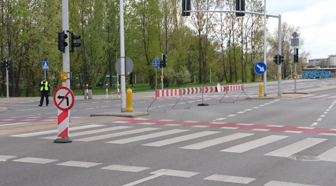 Maraton Warszawski to utrudnienia dla kierowców, objazdy, korki. Nie da się inaczej?