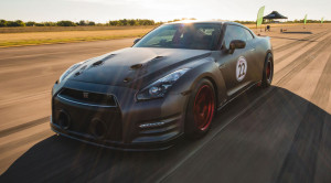 Rekord świata na 1/4 mili pobity. Najszybszy okazał się Nissan GT-R, którego ilość koni pod maską po prostu poraża