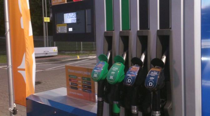 Samoobsługowe stacje benzynowe, czyli jak niska cena paliwa przegrała hot-dogami
