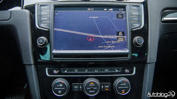 Volkswagen Golf VII - ekran dotykowy