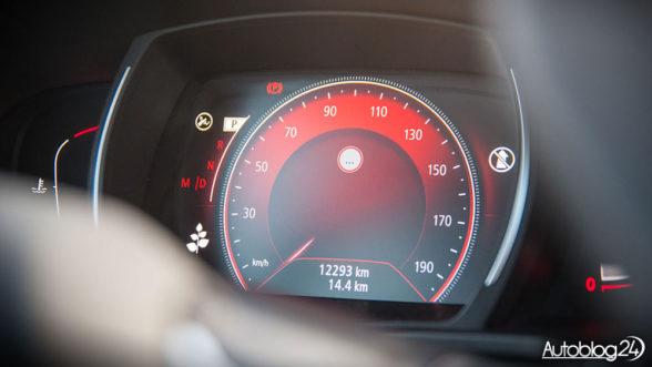 Renault Kadjar - cyfrowe zegary