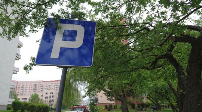 Parkowanie prostopadłe, równoległe i nie tylko – 6 porad, dzięki którym parking będzie mniej straszny
