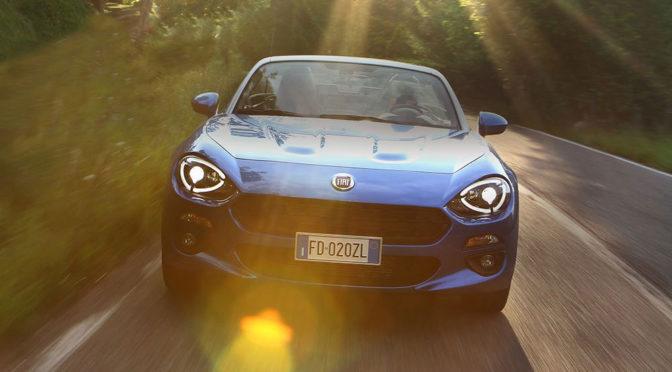 Fiat 124 Spider – ten roadster to przypomnienie, że firma z Turynu potrafi robić ekscytujące samochody