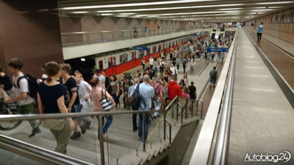 Metro warszawskie - peron