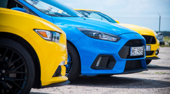 Robienie zdjęć samochodów w ruchu, oświetlenie, detale - wskazówki po warsztatach Forda i Nikona