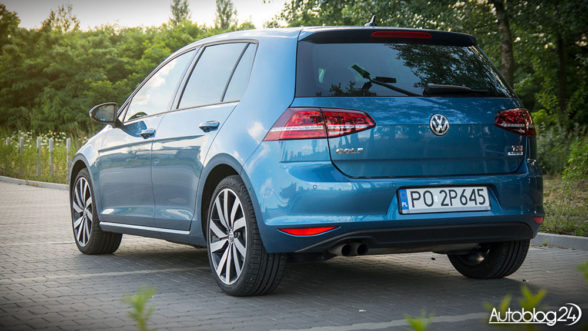Volkswagen Golf Highline 2016 - tył
