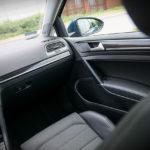Volkswagen Golf wnętrze - 03