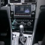 Volkswagen Golf wnętrze - 04