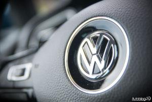 Volkswagen Golf wnętrze - 13