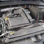 Volkswagen Golf wnętrze - 18
