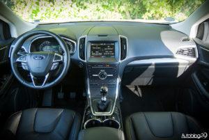 Ford Edge wnętrze - 01