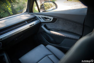 Audi Q7 zdjęcia wnętrza - 04