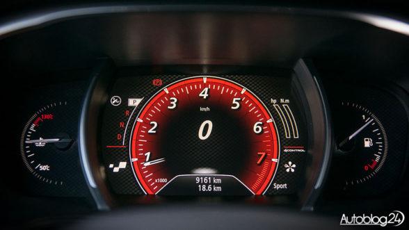 Renault Megane GT IV generacji - elektroniczne zegary