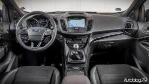 Ford Kuga ST-Line - wnętrze