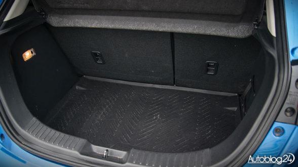 Mazda 2 - bagażnik
