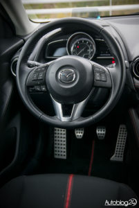 Mazda 2 galeria (wnętrze) - 02
