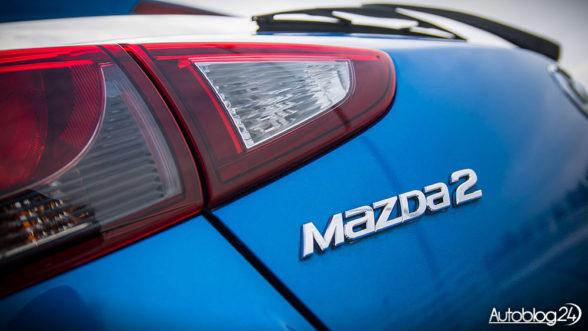 Mazda 2 - logo