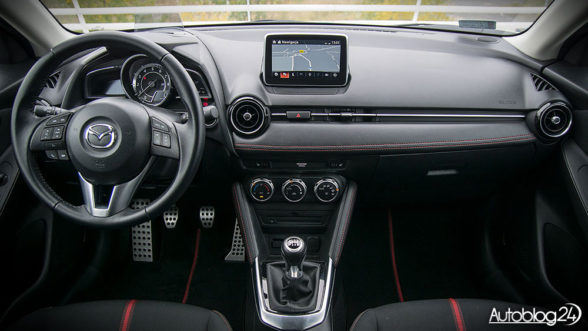 Mazda 2 - wnętrze