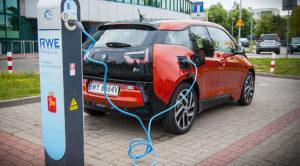 Gdzie ładować za darmo auta elektryczne w Polsce? Wkrótce pewnie nigdzie