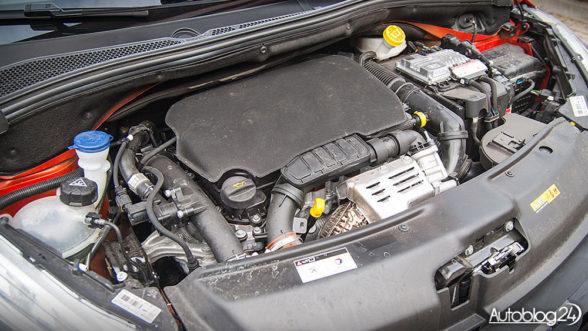 Peugeot 208 - silnik PureTech