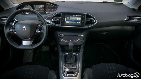 Peugeot 308 - wnętrze wersji Allure