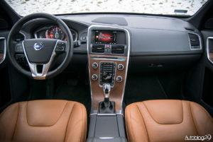 Volvo XC60 galeria środek - 01