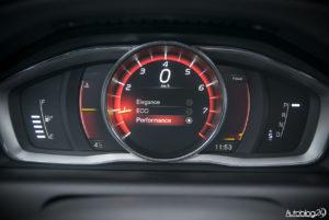 Volvo XC60 galeria środek - 12