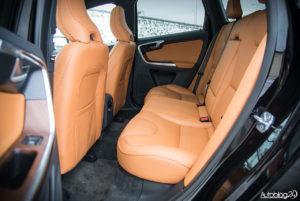 Volvo XC60 galeria środek - 17