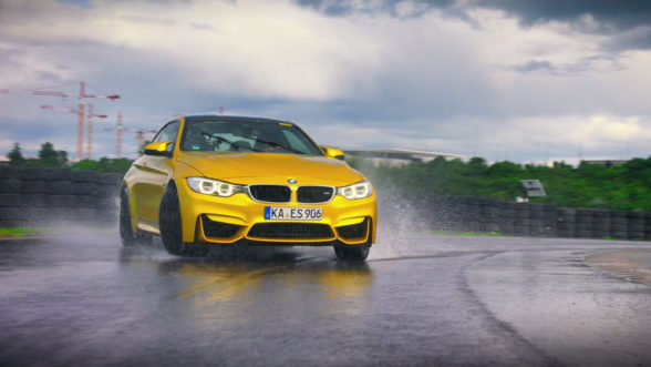BMW M4 - drift Richarda Hammonda