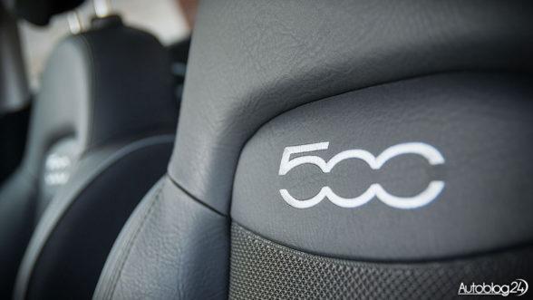 Fiat 500X - fotele z logo modelu