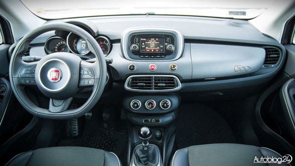 Fiat 500X - wnętrze ma swój styl