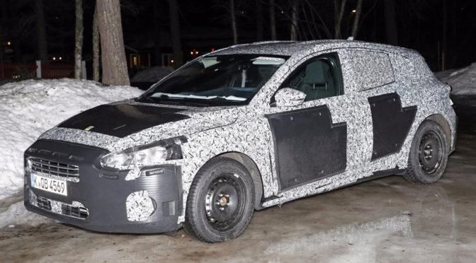 Ford Focus Mk4 (2018) - pierwsze zdjęcia IV generacji w maskowaniu zdradzają też ważną informację o wnętrzu