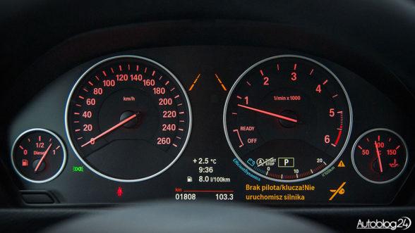 BMW - zegary i widoczny system lane assist