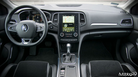 Renault Megane GrandCoupe - wnętrze samochodu