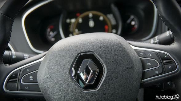 Renault Megane - kierownica pokryta skórą