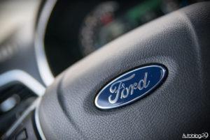 Ford Edge Sport - środek - 19