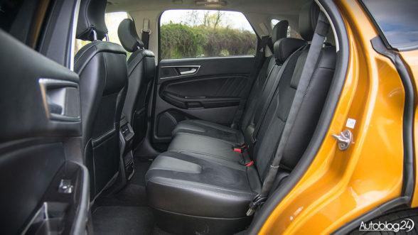 Ford Edge - przestronna tylna kanapa