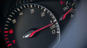 Szybkie samochody – mają sens na co dzień? Ile KM naprawdę potrzebujemy?