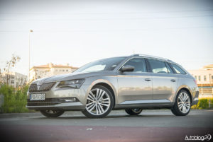 Skoda Superb kombi - 13