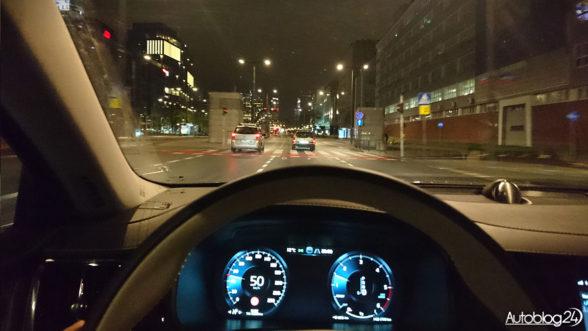 Volvo S90 - jazda w nocy