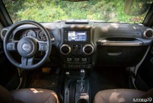 Jeep Wrangler - środek - 01