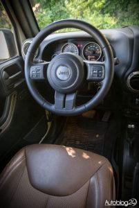 Jeep Wrangler - środek - 02