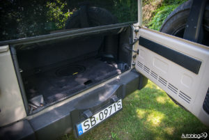 Jeep Wrangler - środek - 15